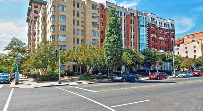 Ginosi Potomac Apartel - Washington - Building