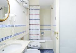 Grand Hotel Europa - Naples - Bathroom