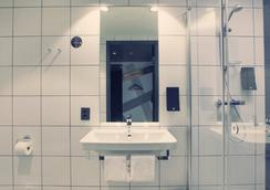 Comfort Hotel Xpress Central Station - Oslo - Bathroom