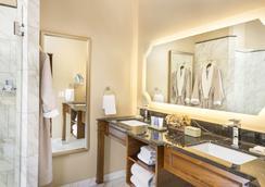 Allegretto Vineyard Resort Paso Robles - Paso Robles - Bedroom
