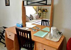 La Playa Suites - Lagos - Bedroom