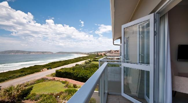 The Robberg Beach Lodge - Plettenberg Bay - Building
