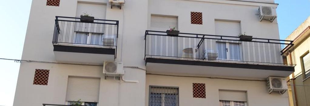 Hotel Laura - Rimini - Outdoor view