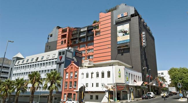 Cape Town Lodge Hotel - Cape Town - Building