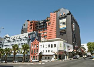 Cape Town Lodge Hotel