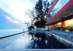 Hotel Sentral Seaview, Penang - George Town - Pool
