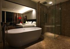 The Shore Hotel & Residences - Malacca - Bathroom