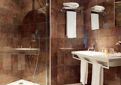 Citotel De la Cloche - Dole - Bathroom