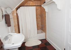 Cameron House Inn - Manteo - Bathroom
