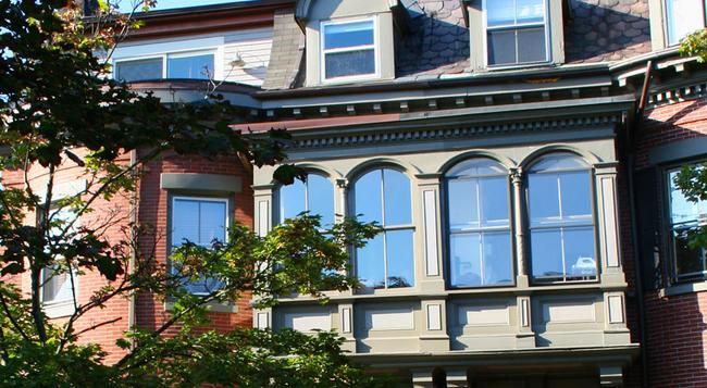 Encore Bed & Breakfast - Boston - Building
