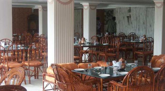 Hotel Maan Residency - Ahmedabad - Restaurant