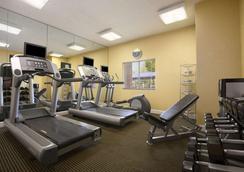 Hawthorn Suites by Wyndham Philadelphia Airport - Philadelphia - Gym