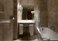 Praga - Madrid - Bathroom