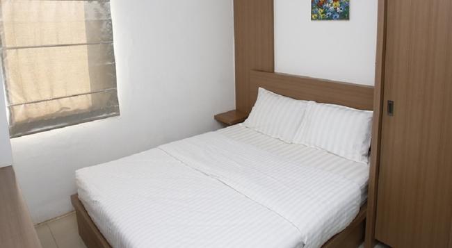 Reddoorz Near UOB Plaza - Jakarta - Bedroom