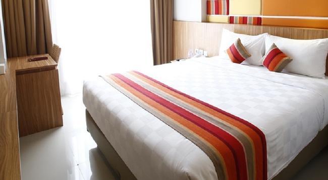 Reddoorz @ Cengkareng - Tangerang - Bedroom