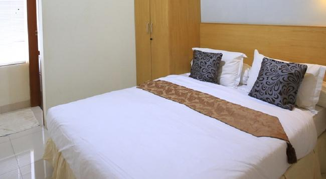 Reddoorz @ Cipete - South Jakarta - Bedroom