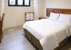 Reddoorz @ Lebak Bulus Raya 3 - South Jakarta - Bedroom