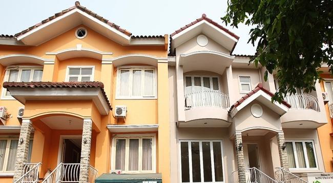 Reddoorz @ Lebak Bulus Raya - South Jakarta - Building