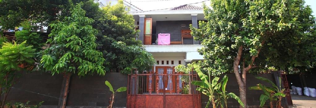 Reddoorz @ Ragunan - South Jakarta - Building