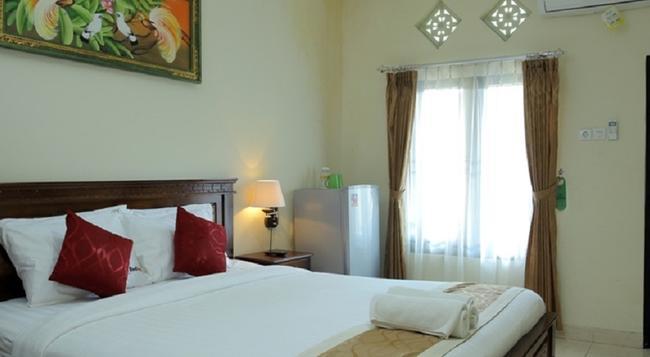 Reddoorz @ Nakula Sunset Road - Denpasar - Bedroom