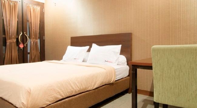 Reddoorz @ Terogong - South Jakarta - Bedroom