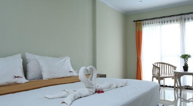 RedDoorz @ Padma Utara - Legian - Bedroom