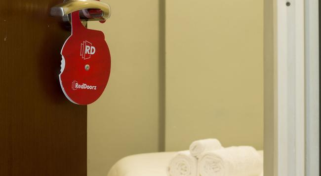 Reddoorz @ Setiabudi - South Jakarta - Bedroom