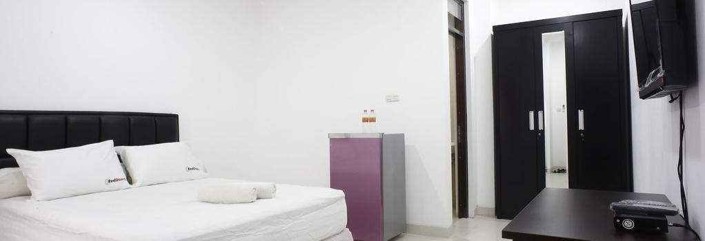 Reddoorz @ Duren Tiga - South Jakarta - Bedroom