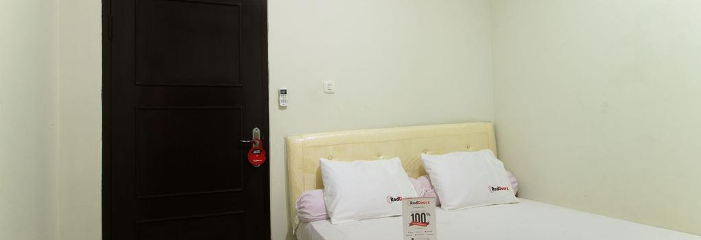 Reddoorz @ Pancoran - South Jakarta - Building