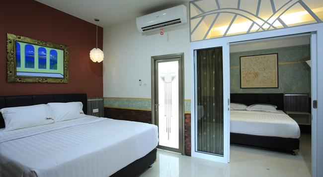The Palm Suite Villa & Spa - Sanur - Bedroom