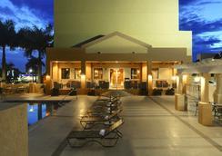 Hampton Inn & Suites - Miami-Airport South/Blue Lagoon - Miami - Pool