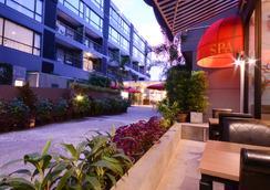 The Lantern Resorts Patong - Patong - Outdoor view