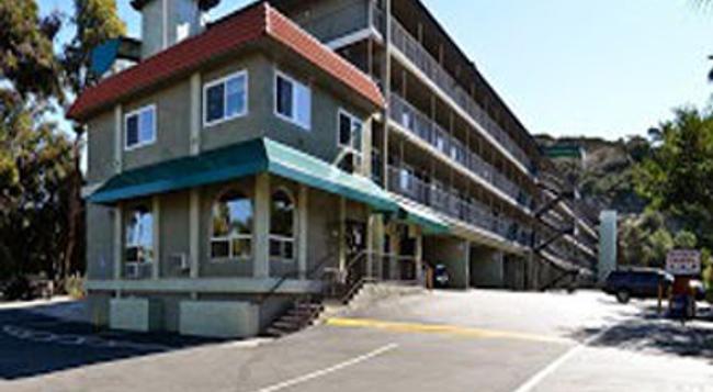 Super 8 San Diego Hotel Circle - San Diego - Building