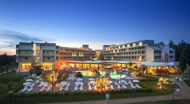 Aminess Maestral Hotel - Novigrad (Istarska) - Building