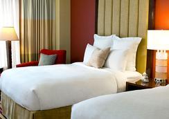 Renaissance Charlotte SouthPark Hotel - Charlotte - Bedroom