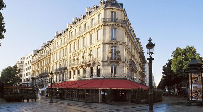 Hôtel Barrière Le Fouquet's - Paris - Building