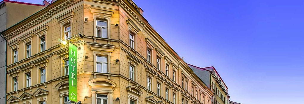 Three Crowns Hotel - Prague - Building