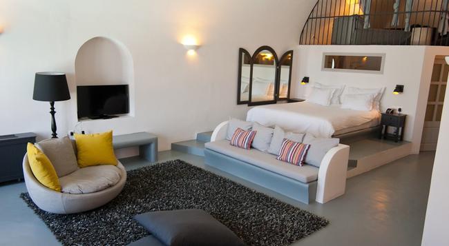 Ambassador Aegean Luxury Hotel and Suites - Akrotiri (Santorini) - Bedroom