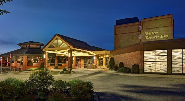 Algoma's Water Tower Inn & Suites, BW Premier Collection - Sault Ste Marie - Building