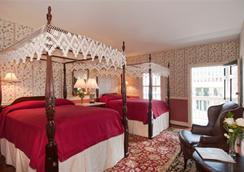 Meeting Street Inn - Charleston - Bedroom