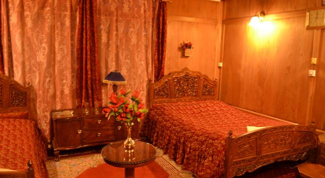 Houseboat Prince of Bombay - Srinagar - Bedroom
