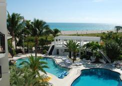 The Savoy Hotel - Miami Beach - Pool
