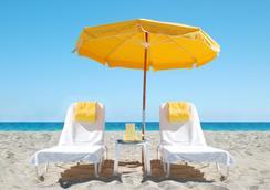 The Savoy Hotel - Miami Beach - Beach