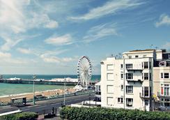 New Cosmopolitan Hotel - Brighton - Attractions