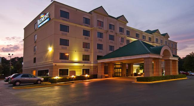 Baymont Inn & Suites Jackson - Jackson - Building