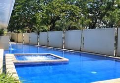 Subic Bay Venezia Hotel - Olongapo - Pool