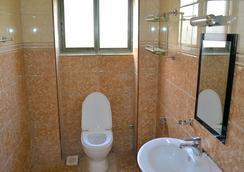 Acacia Beach Hotel - Entebbe - Bathroom