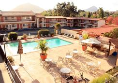 Sands Inn & Suites - San Luis Obispo - Pool