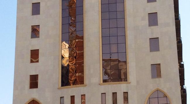 Qasr Al-Azziziah Hotel - Mecca - Building