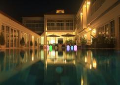 White Boutique Hotel - Sihanoukville - Pool